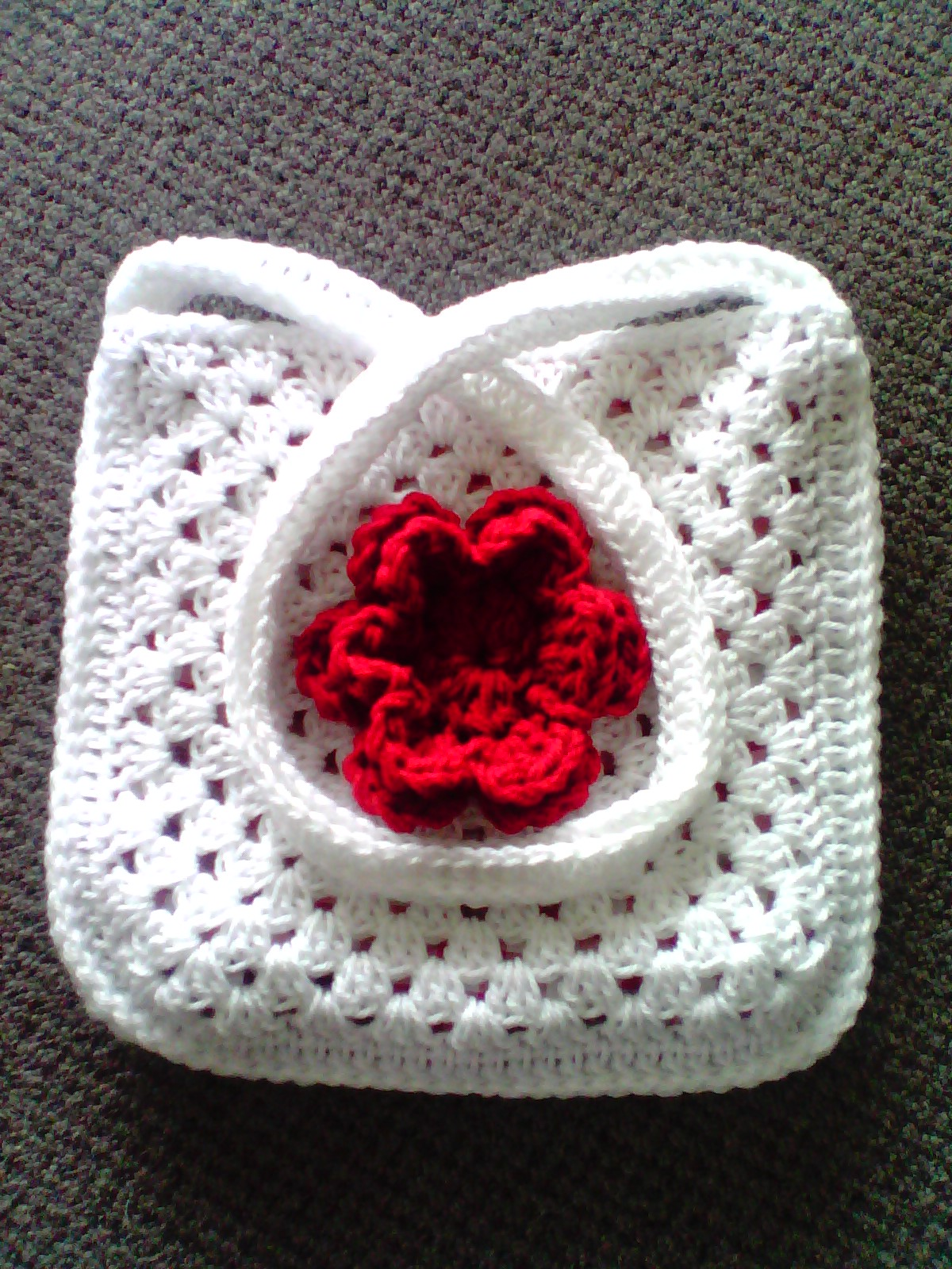 granny bag white and red 3
